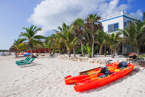 Beach and kayaks at rental villa Soliman Bay