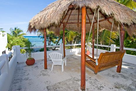 Mayamor balcony